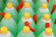 Frascos verdes em uma fileira Foto de Stock Royalty Free