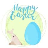 Frase disegnata a mano Pasqua felice dell'iscrizione di tipografia sui precedenti bianchi con il coniglietto e l'uovo di pasqua s royalty illustrazione gratis