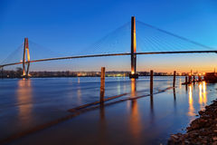 Fraser River à l'heure bleue images libres de droits
