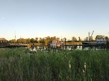 Fraser River dichtbij Steveston bij zonsondergang Richmond, Canada stock foto's