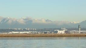 Fraser River, Jet Take Off, aeropuerto de Vancouver almacen de video