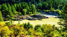 Fraser River på Fraser Canyon i British Columbia, Kanada royaltyfri foto