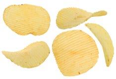 Frasig isolerad potatischip arkivbild