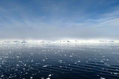 Frasig och iskall bakgrund Royaltyfria Bilder