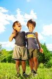 Fratello due che huging Immagini Stock Libere da Diritti