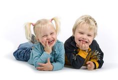 Fratello e sorella sciocchi Fotografie Stock