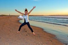 Frau überwunden mit Aufregung Lizenzfreie Stockbilder