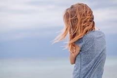 Frau allein und deprimiert Stockfotografie