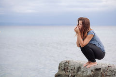 Frau allein und deprimiert Lizenzfreie Stockbilder