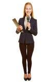 Frau als Reporter mit Mikrofon lizenzfreies stockfoto