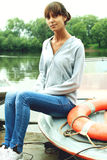 Frau auf Boot Lizenzfreies Stockfoto