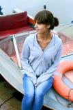 Frau auf Boot Lizenzfreie Stockbilder