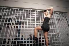 Frau auf dem Ausblick Stockfoto