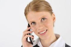 Frau auf dem Smartphone Stockbild