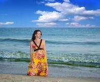 Frau auf dem Strand. stockfoto
