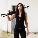 Frau auf einem Schlachtfeld Lizenzfreie Stockfotos