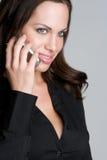 Frau auf Handy Lizenzfreies Stockfoto