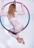 Frau auf Ring lizenzfreies stockfoto