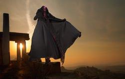 Frau auf Sonnenuntergang Stockfotos