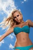 Frau auf Strand Stockbild
