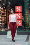 Frau auf Verkauf Stockfotografie