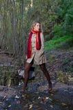 Frau auf Wald Stockbild