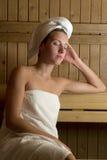 Frau am Badekurort Stockbilder