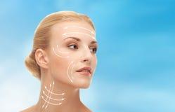 Frau bereit zur Schönheitschirurgie Lizenzfreies Stockfoto