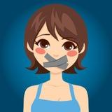Frau brachte Mund zum Schweigen Lizenzfreie Stockbilder
