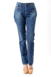 Frau in den Blue Jeans Lizenzfreie Stockfotografie