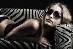 Frau in den Gläsern Lizenzfreie Stockfotos