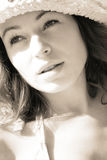 Frau in den Sunbeams stockfotografie