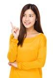 Frau denken an Idee Lizenzfreie Stockfotos