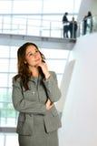 Frau in denkender Haltung Stockfotografie