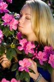 Frau in der Blume Lizenzfreie Stockbilder