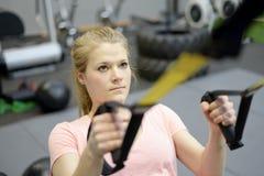Frau in der Gymnastik Stockfoto
