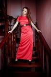 Frau in der Modekleidung stockfotos