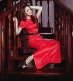 Frau in der Modekleidung lizenzfreie stockfotografie