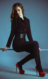 Frau in der Modekleidung stockfotografie