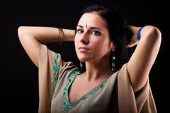 Frau in der nationalen Kleidung lizenzfreie stockfotos