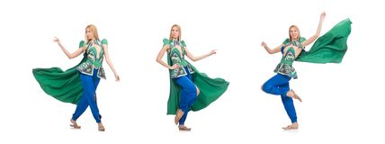Frau in der orientalischen gr?nen Kleidung lokalisiert auf Wei? stockfotos