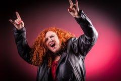 Frau an der Partei oder am Konzert Stockbilder