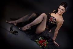 Frau in der reizvollen Haltung Stockfotos