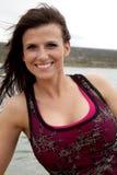 Frau in der roten Nahaufnahme durch Wasser Lizenzfreies Stockfoto
