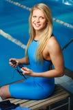 Frau in der Schwimmen Lizenzfreie Stockfotos