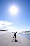 Frau in der Sonne Lizenzfreie Stockfotos