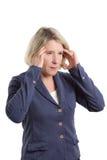 Frau, die Acupressure gegen Kopfschmerzen verwendet Lizenzfreies Stockbild