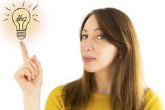 Frau, die auf Illustration der Glühlampe zeigt 3d übertrug Bild Lizenzfreies Stockfoto