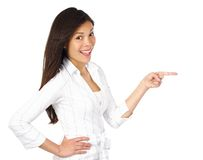 Frau, die auf Produkt zeigt Stockfotos