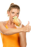 Frau, die Burger isst Stockbilder